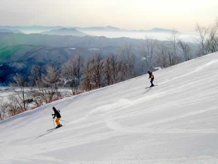 ... goryu at the top so you can enjoy both ski slopes with a ski pass